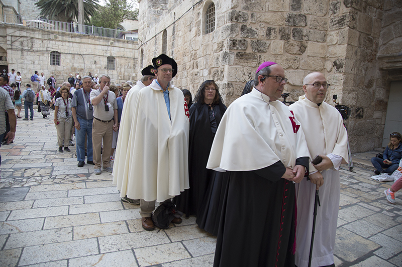 23_Holy Sepulchre Procession.jpg